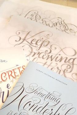 O livro, a apostila e o meu lettering <3